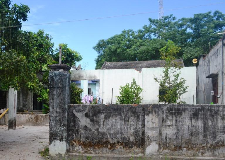 Nhà cửa người dân xuống cấp trầm trọng sau 19 năm chờ đất tái định cư ở Trung Sơn, Hòa Liên.