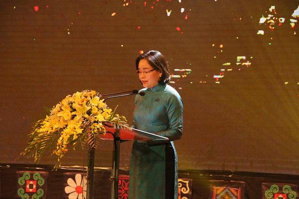Bà Trịnh Thị Thủy phát biểu tại buổi lễ.