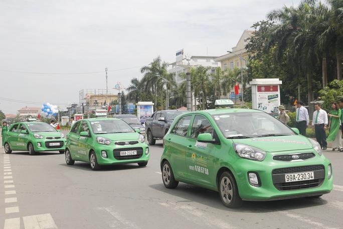 Taxi truyền thống đề nghị được chuyển thành xe hợp đồng điện tử - Ảnh minh họa