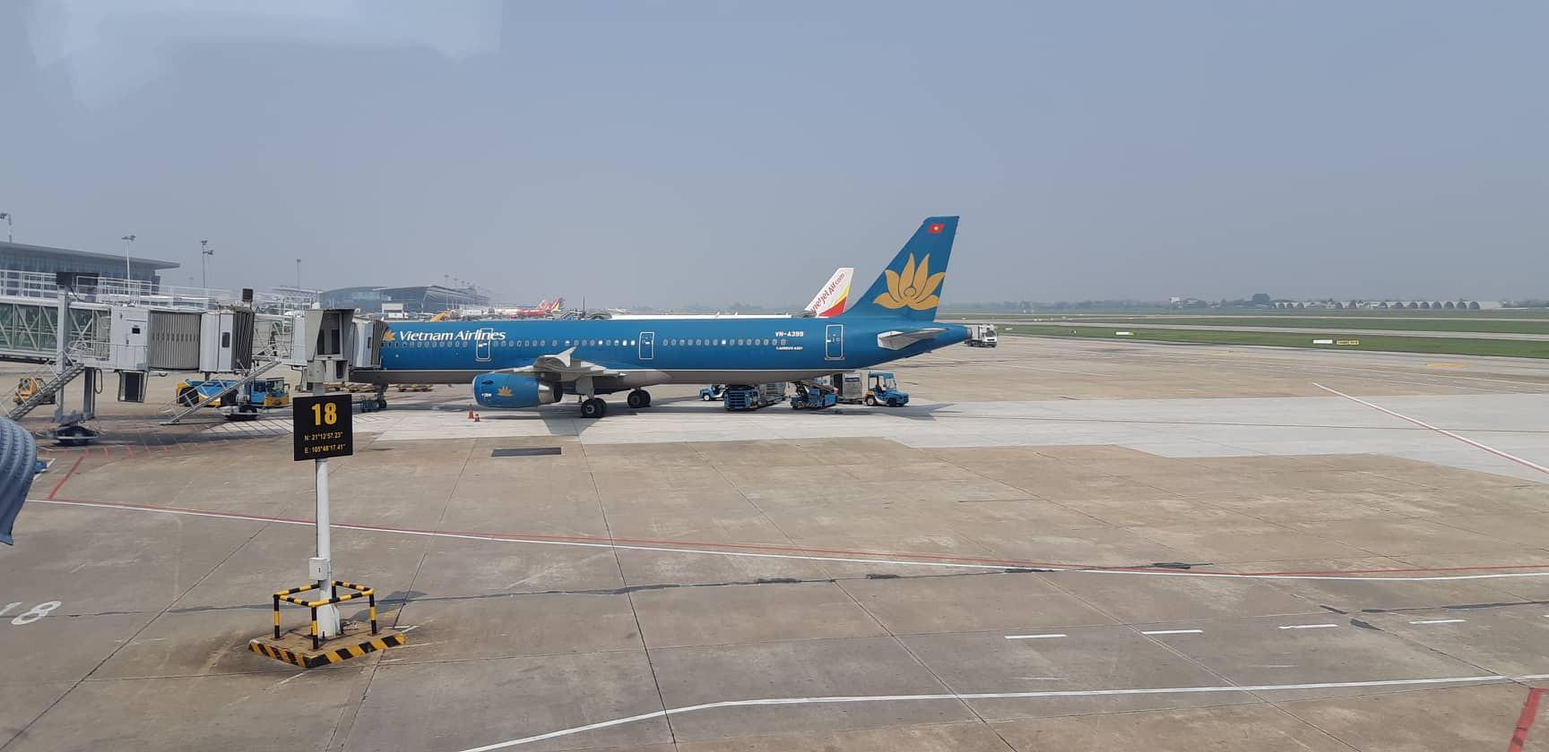 Đường băng Nội Bài - Tân Sơn Nhất sửa chữa theo hình thức giao thầu - Ảnh 1.