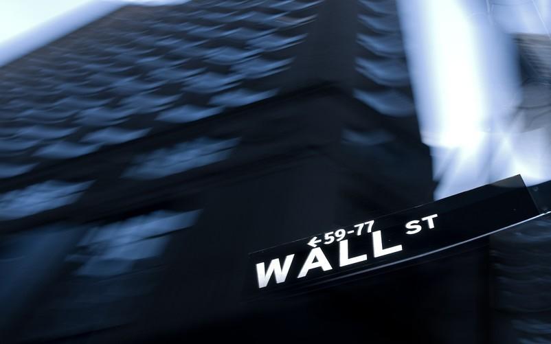 Chứng khoán Mỹ thận trọng với loạt dữ liệu kinh tế đáng quan ngại