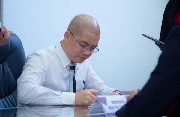 """Chính thức khởi tố """"ông trùm"""" Địa ốc Alibaba Nguyễn Thái Luyện - Ảnh 2."""