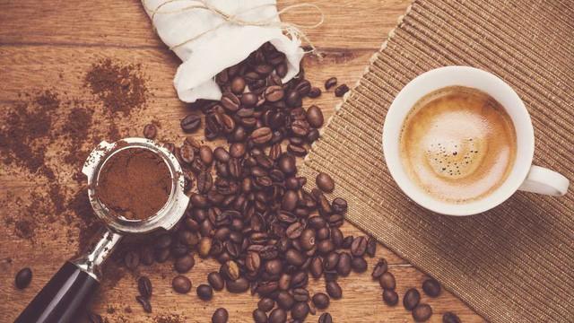 Thị trường giá cả: Phiên cuối tuần, cà phê và tiêu đồng loạt tăng - Ảnh 1.