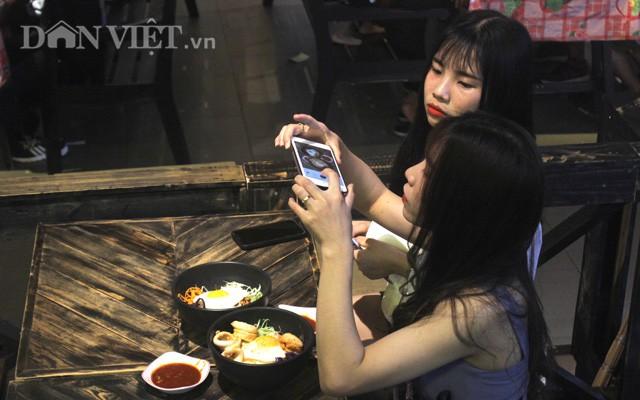Hồi sinh chợ đêm đầu tiên trong lòng đất ở Việt Nam - Ảnh 10.