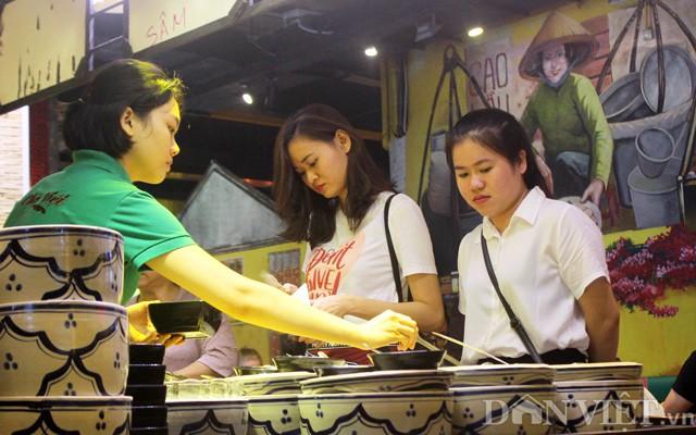 Hồi sinh chợ đêm đầu tiên trong lòng đất ở Việt Nam - Ảnh 8.