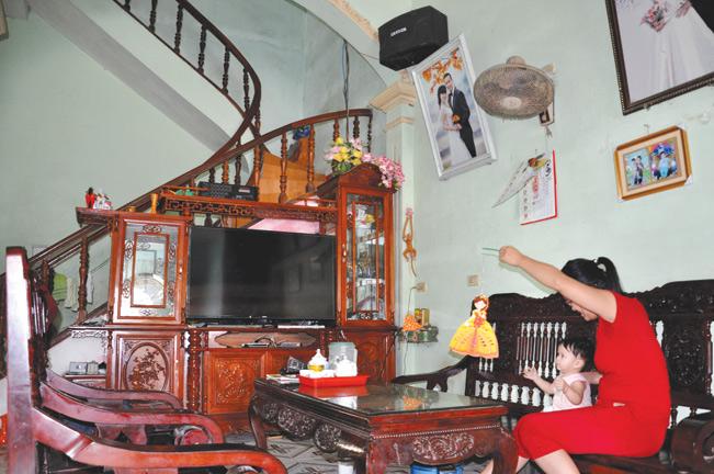 Nhờ làm kinh tế hiệu quả, gia đình ông Miền đã xây được nhà to khang trang.
