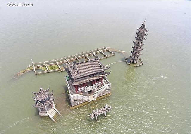 Đảo hải đăng với tuổi đời 1000 năm từng được dùng để dẫn đường cho tàu thuyền qua lái.