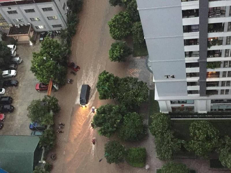Ngập tại Times City, quận Hai Bà Trưng, Hà Nội. (Ảnh: FB)
