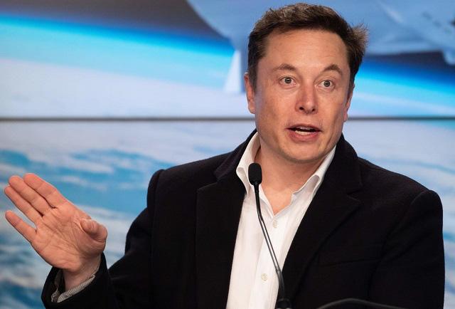 Tỷ phú Elon Musk: 'Tôi tốt nghiệp đại học với khoản nợ 100.000 USD' - Ảnh 1.