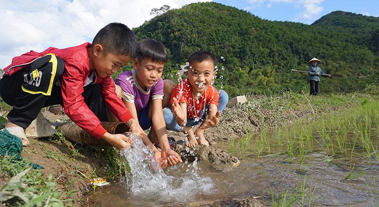 Guồng lấy nước cấy lúa ở bản người Thái - Ảnh 3.