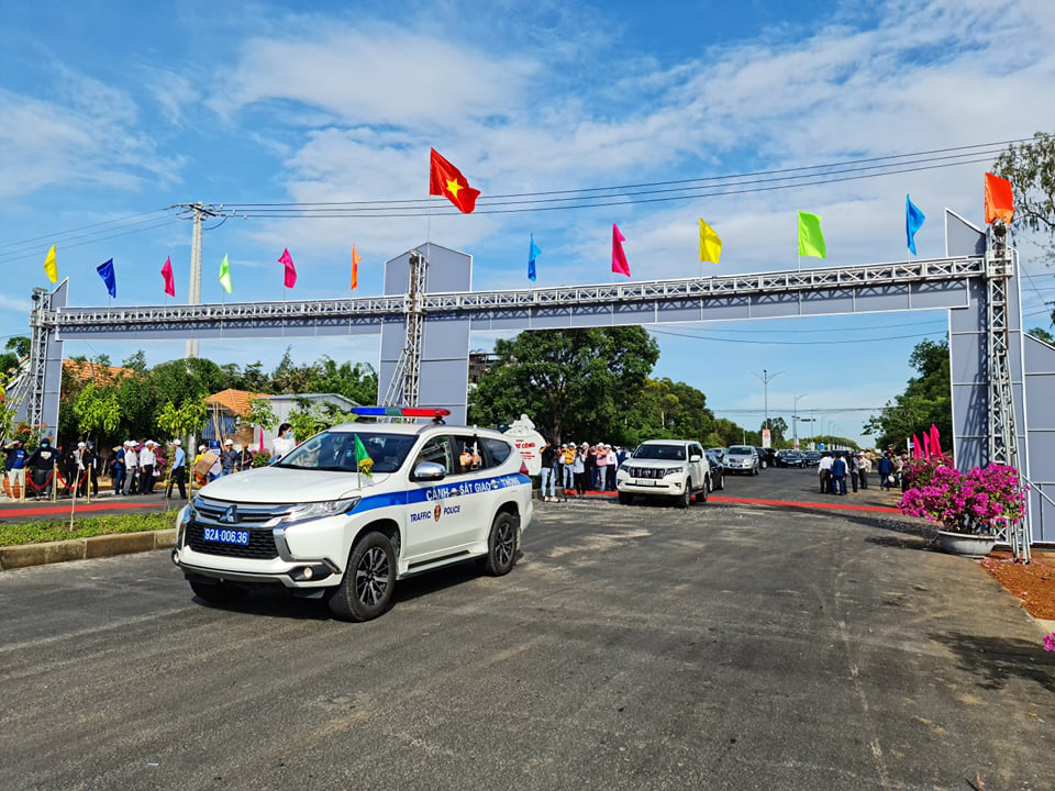Quảng Nam: Thông xe kỹ thuật tuyến đường vào sân bay Chu Lai với vốn đầu tư 1.479 tỷ đồng - Ảnh 6.