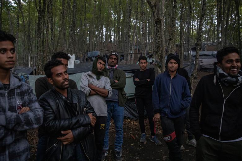 Cắm trại trong rừng - Ảnh 3.