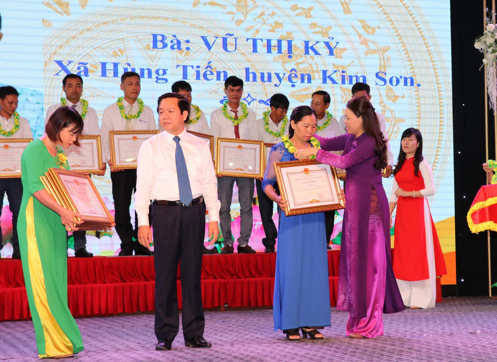 Ninh Bình: Biểu dương 141 nông dân sản xuất, kinh doanh giỏi - Ảnh 1.
