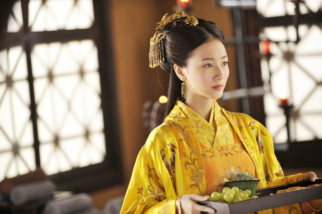 Nữ tù binh lịch sử Trung Hoa: Hoàng đế yêu từ cái nhìn đầu tiên, thị tẩm chỉ 1 lần đã mang thai Thái tử - Ảnh 1.