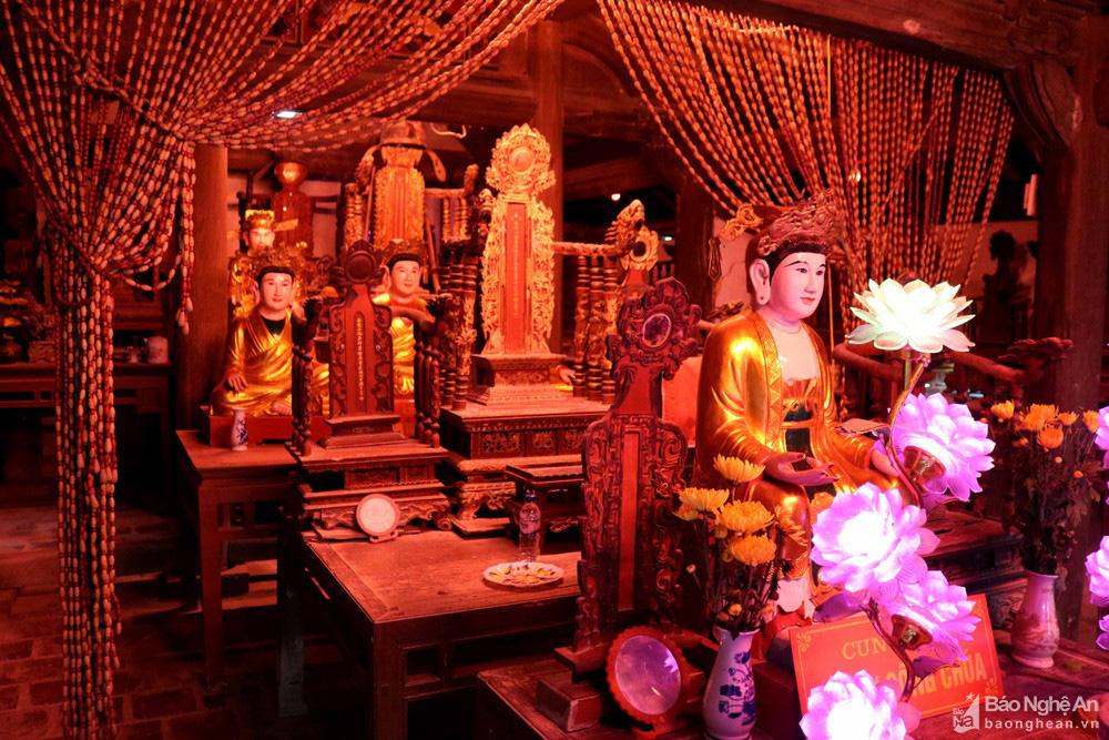 Kỳ bí về sự độc, lạ ngôi đền cổ hàng trăm năm tuổi ở Nghệ An - Ảnh 10.