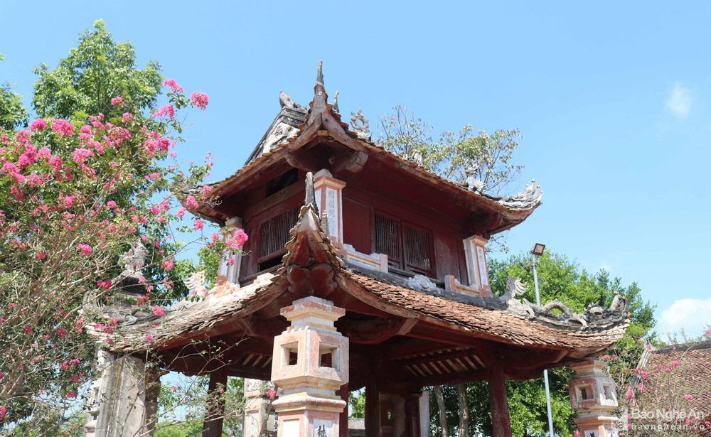 Kỳ bí về sự độc, lạ ngôi đền cổ hàng trăm năm tuổi ở Nghệ An - Ảnh 2.