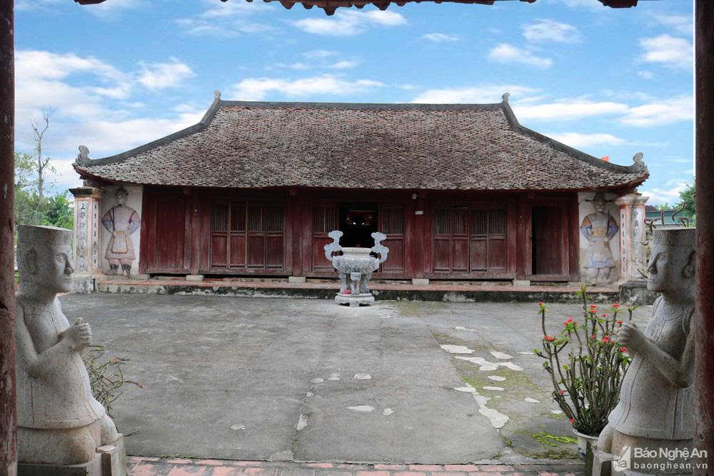 Kỳ bí về sự độc, lạ ngôi đền cổ hàng trăm năm tuổi ở Nghệ An - Ảnh 7.