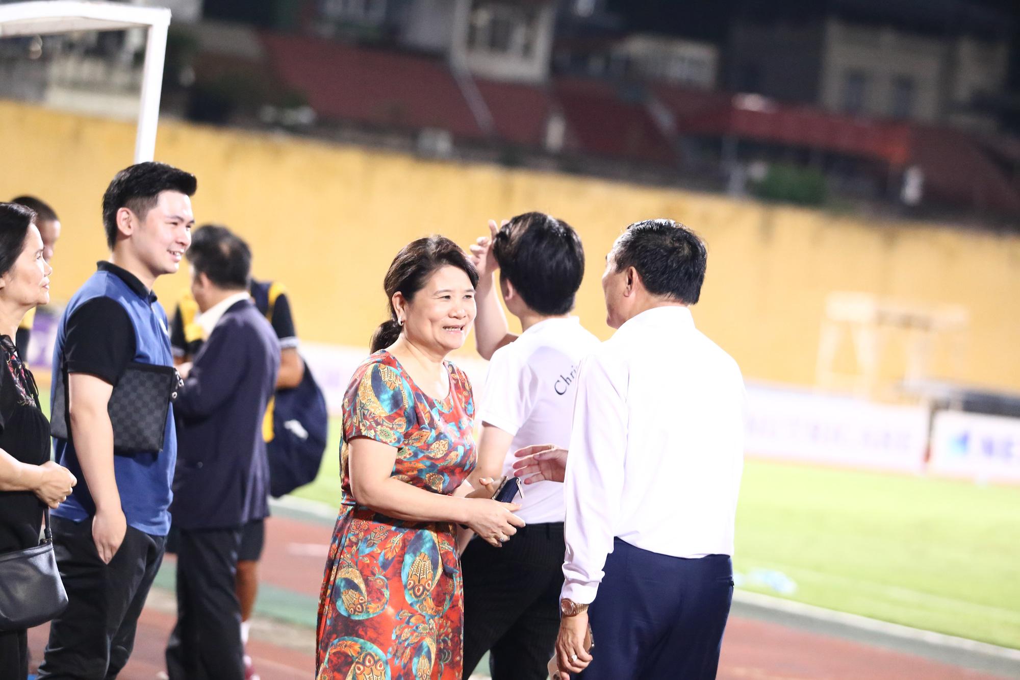 Cha con bầu Hiển gặp riêng BHL Hà Nội FC sau trận hòa tiếc nuối - Ảnh 4.