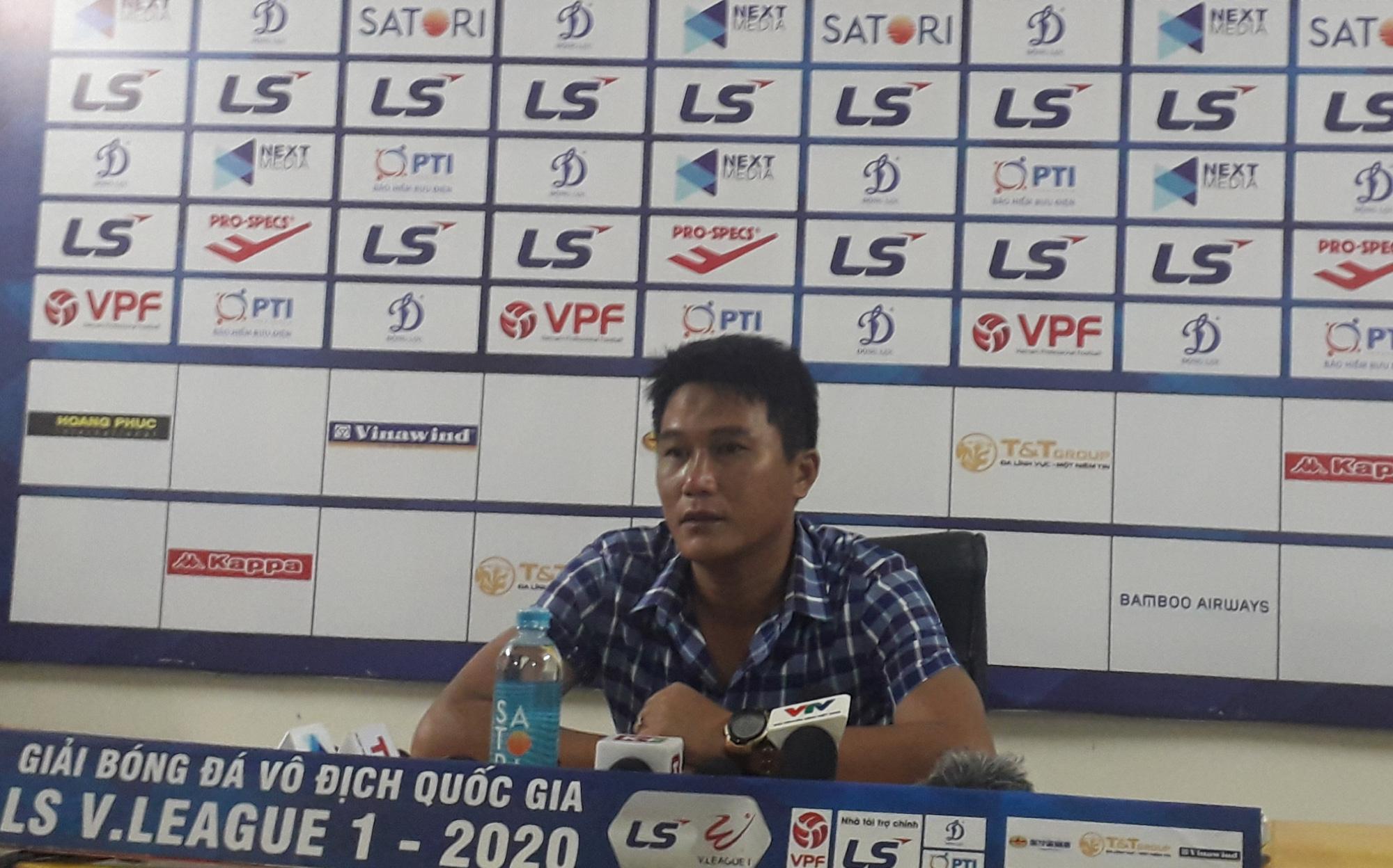 """Bị hỏi """"xoáy"""" HLV Thanh Hóa thản nhiên đáp trả khi hòa Hà Nội FC - Ảnh 2."""