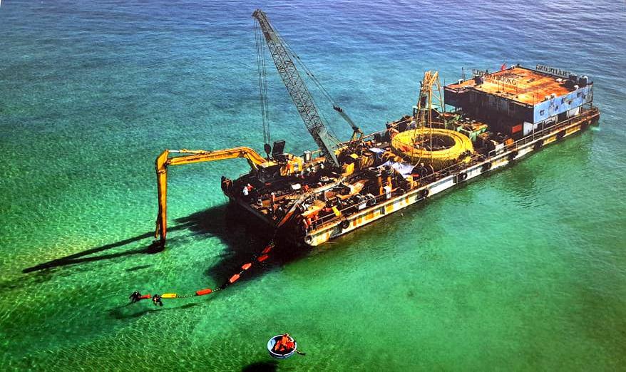 Chính thức cấp điện bằng cáp ngầm xuyên biển cho dân đảo Cù Lao Xanh - Ảnh 7.