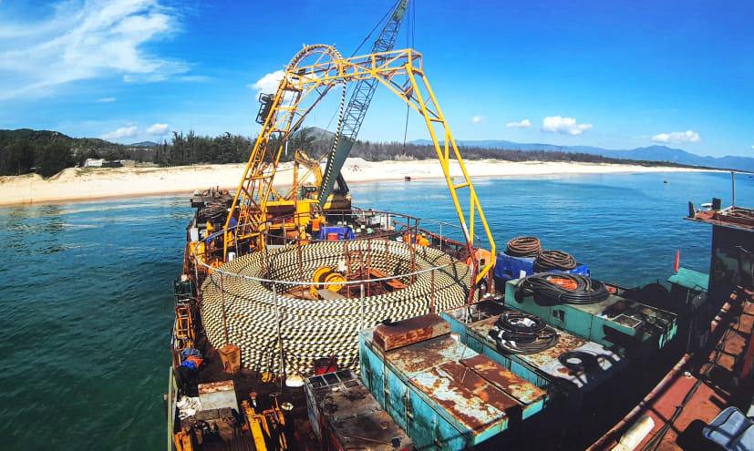 Chính thức cấp điện bằng cáp ngầm xuyên biển cho dân đảo Cù Lao Xanh - Ảnh 5.