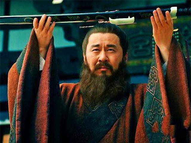 Tam quốc diễn nghĩa: Nữ nhân tài sắc, người duy nhất khiến Tào Tháo phải rơi nước mắt giàn giụa cũng không thể lấy được - Ảnh 1.
