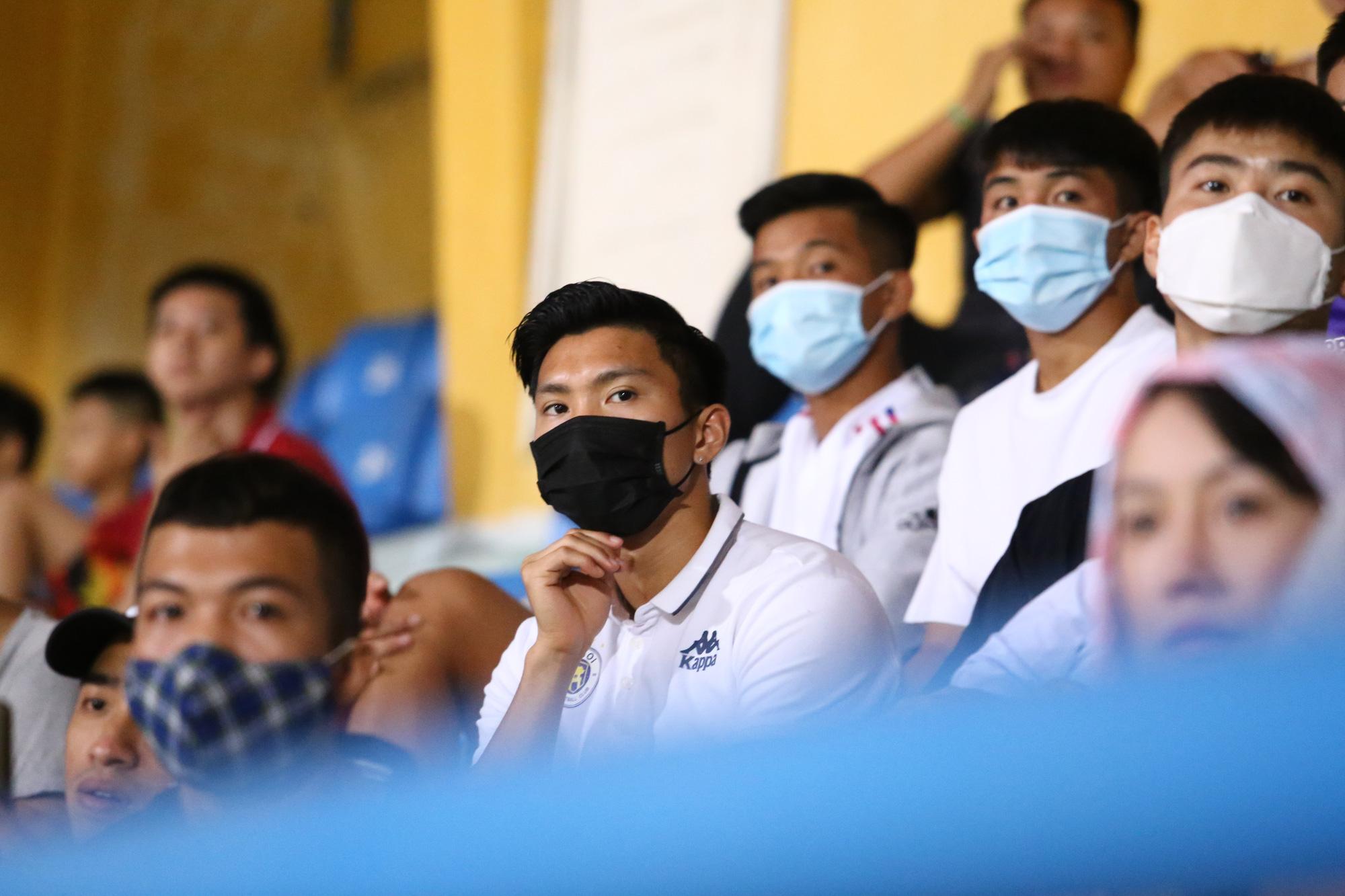 Huỳnh Anh đến sân cổ Quang Hải ghi siêu phẩm - Ảnh 3.