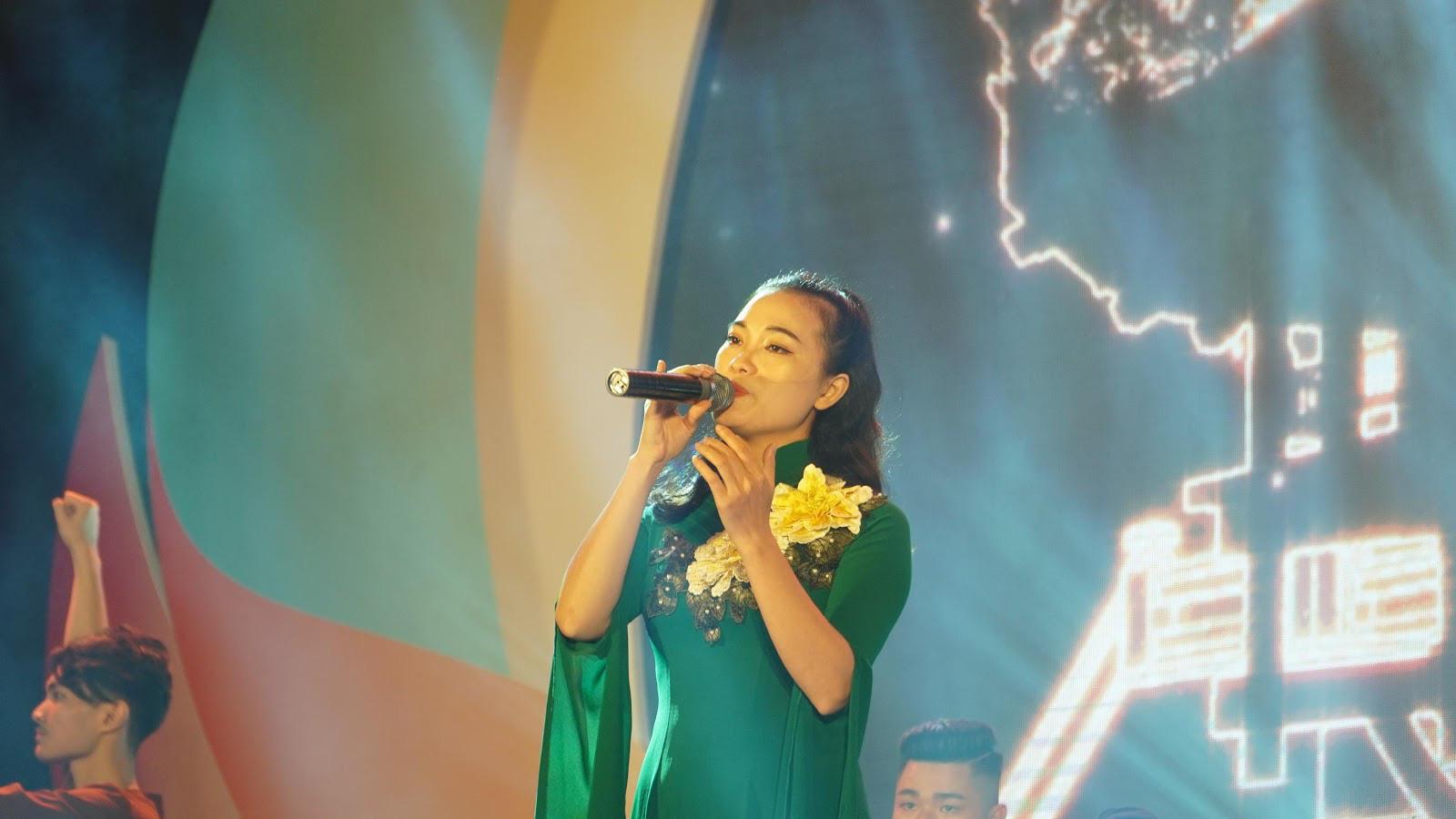 Chương trình nghệ thuật Tự hào Việt Nam năm 2020 gây ấn tượng với khán giả thủ đô - Ảnh 2.