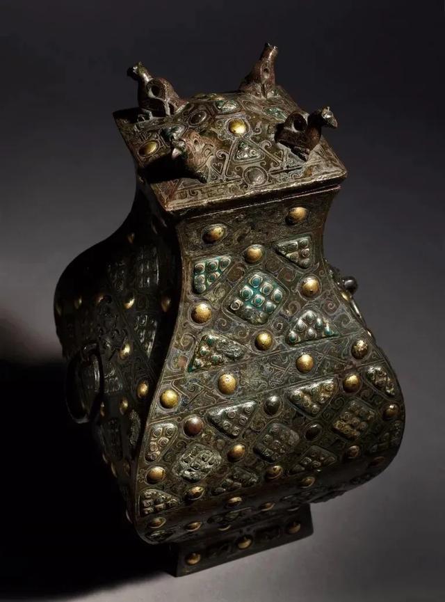 Gây chấn động thế giới khảo cổ: Chiếc bình vuông bằng đồng thời chiến quốc có giá nghìn triệu đô - Ảnh 4.