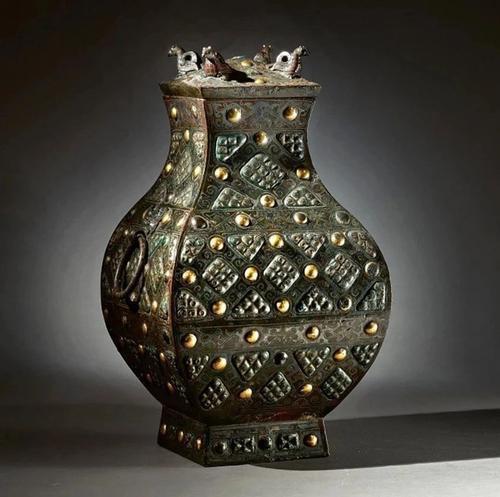 Gây chấn động thế giới khảo cổ: Chiếc bình vuông bằng đồng thời chiến quốc có giá nghìn triệu đô - Ảnh 1.