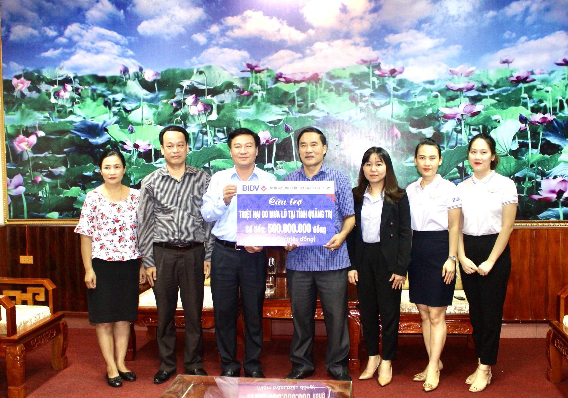 BIDV dành 1 tỷ đồng hỗ trợ đồng bào bị ảnh hưởng bởi lũ lụt tại Quảng Bình, Quảng Trị - Ảnh 1.