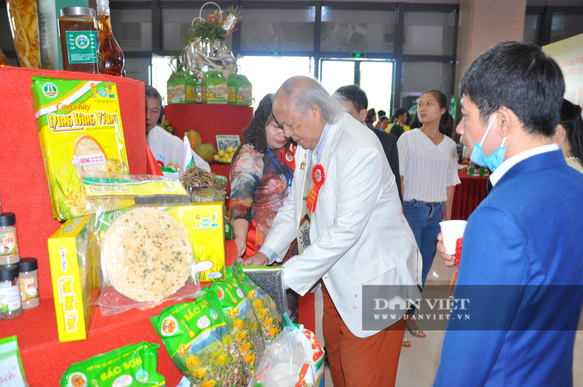 Thủ tướng khen ngợi sản phẩm hữu cơ độc đáo tại Lễ kỷ niệm 90 năm ngày thành lập Hội Nông dân Việt Nam - Ảnh 9.