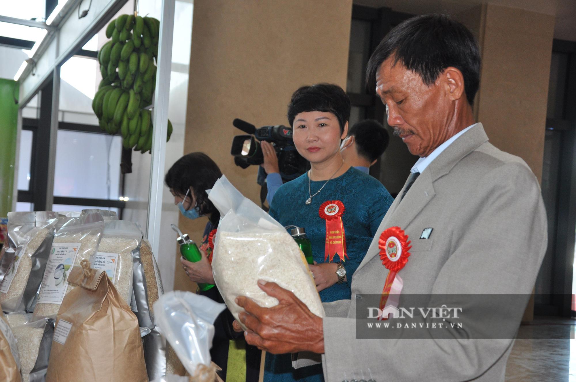 Thủ tướng khen ngợi sản phẩm hữu cơ độc đáo tại Lễ kỷ niệm 90 năm ngày thành lập Hội Nông dân Việt Nam - Ảnh 5.