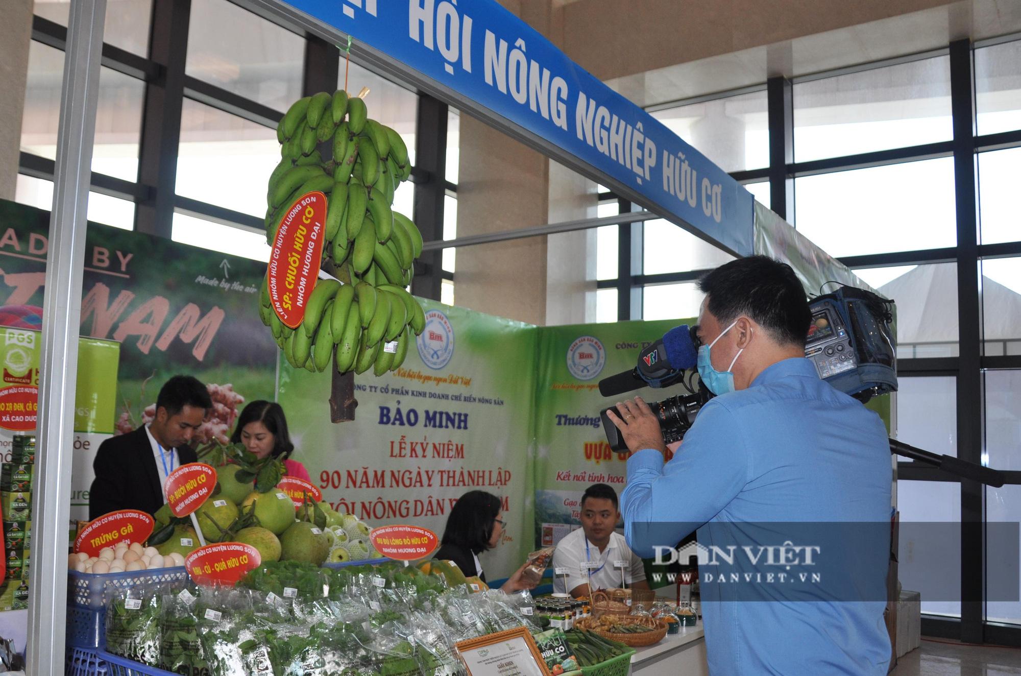 Thủ tướng khen ngợi sản phẩm hữu cơ độc đáo tại Lễ kỷ niệm 90 năm ngày thành lập Hội Nông dân Việt Nam - Ảnh 6.