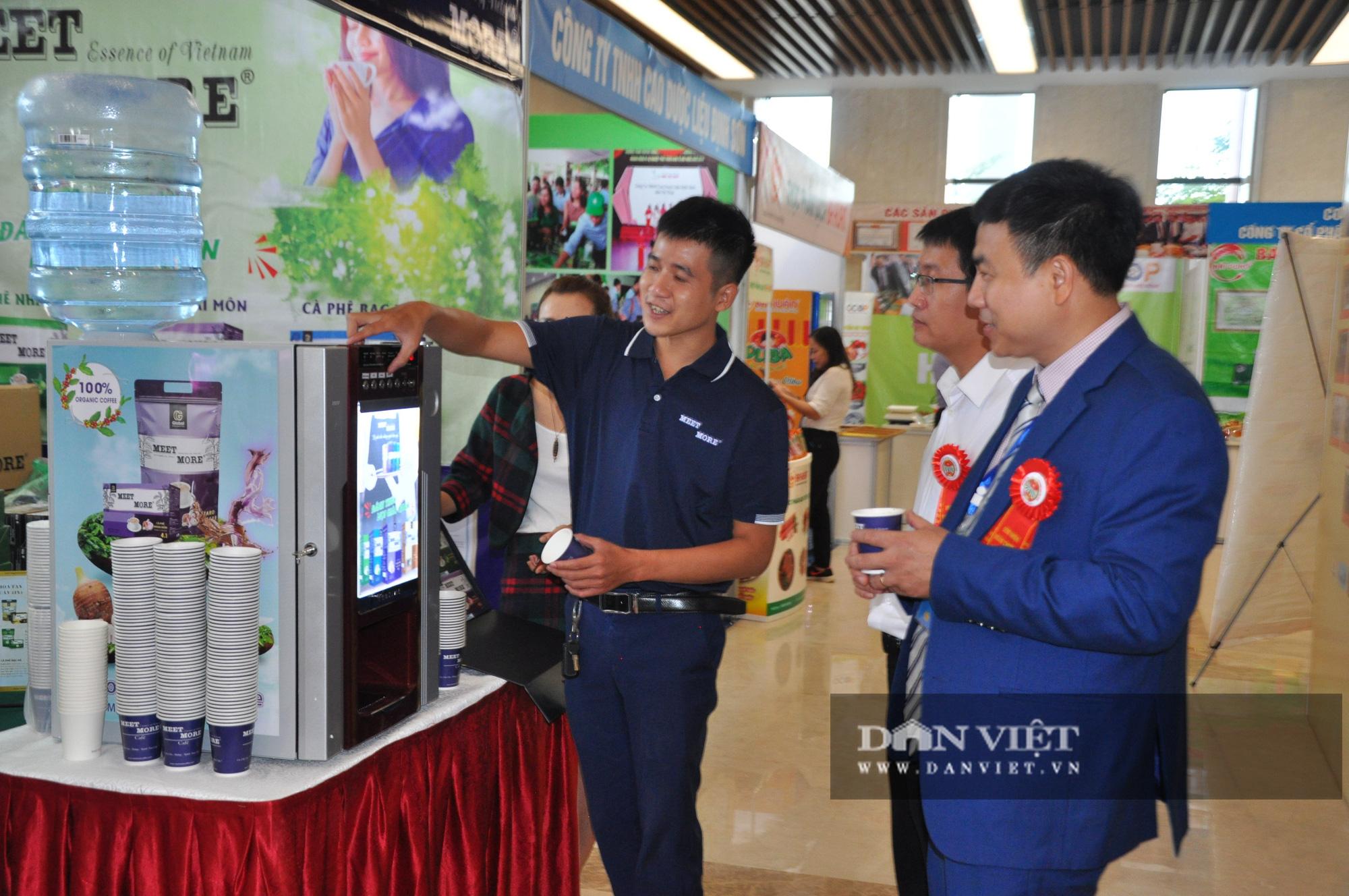 Thủ tướng khen ngợi sản phẩm hữu cơ độc đáo tại Lễ kỷ niệm 90 năm ngày thành lập Hội Nông dân Việt Nam - Ảnh 7.