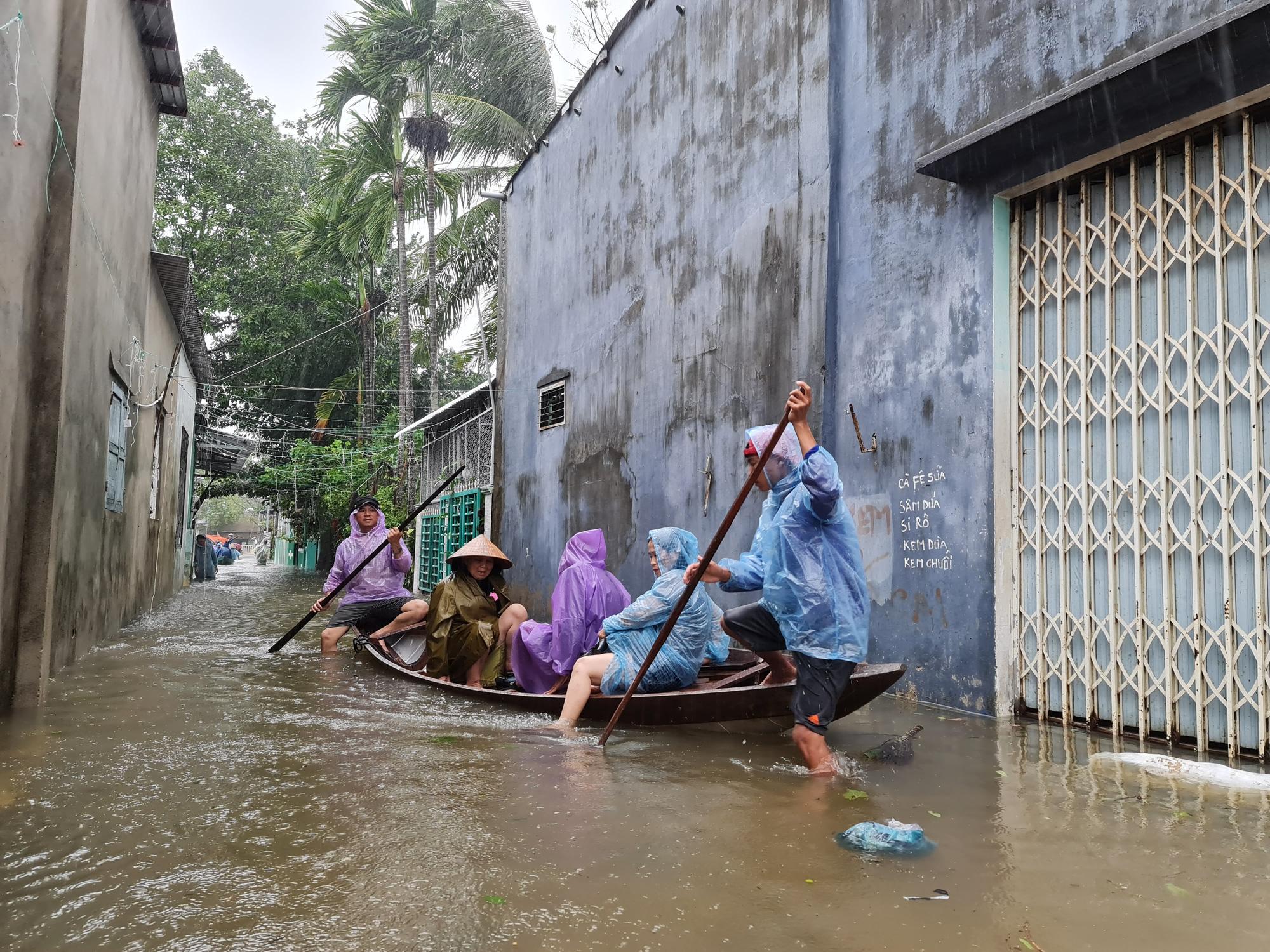 Quảng Nam: 6 người chết và mất tích do bão, lũ - Ảnh 1.