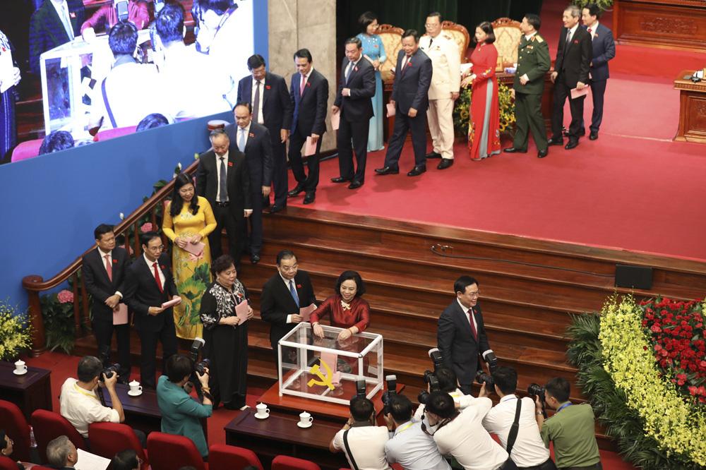 Hà Nội: Giới thiệu 80 người để bầu Ban Chấp hành Đảng bộ TP  khóa XVII - Ảnh 4.