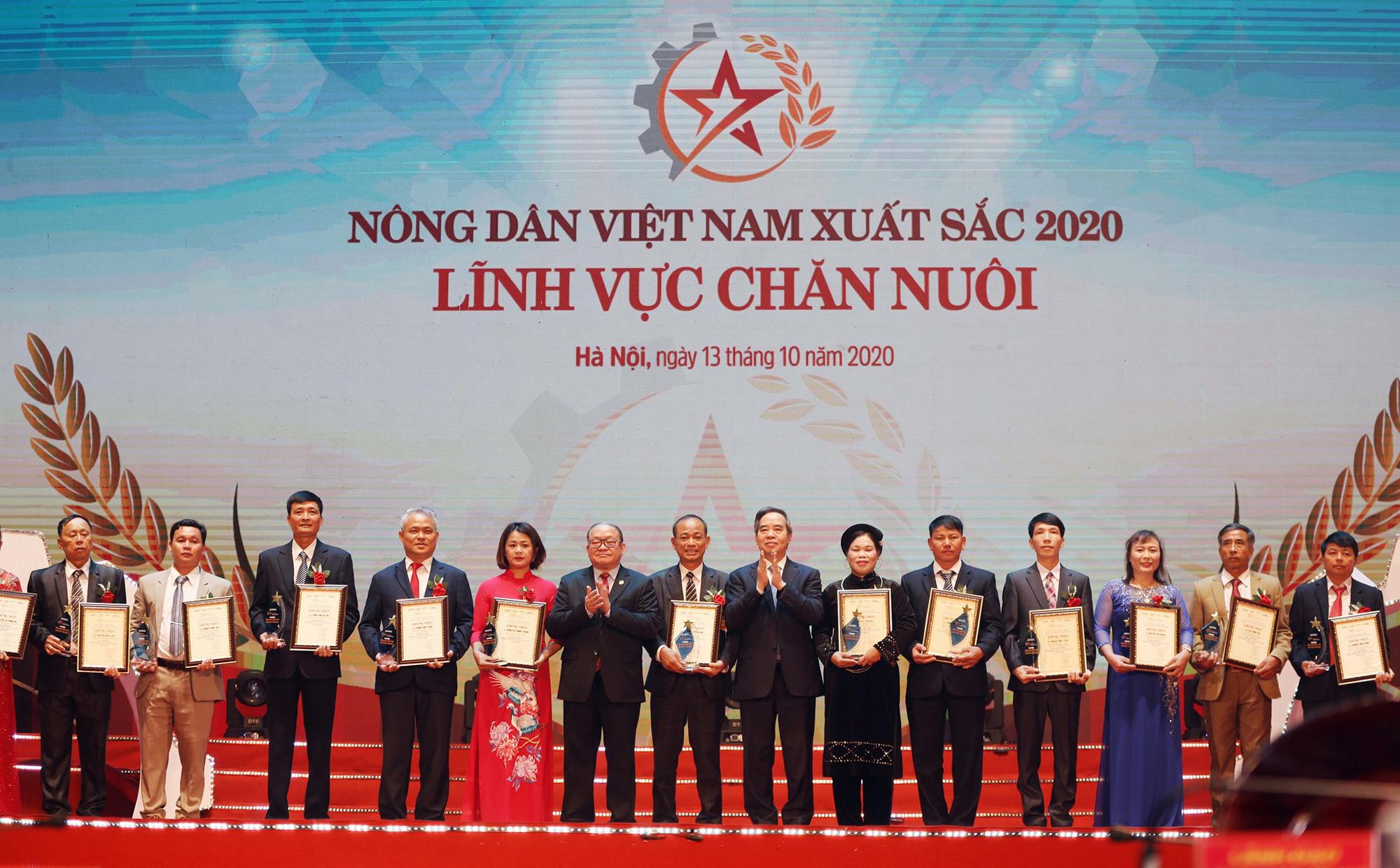 """Tiết lộ thú vị về 63 """"Nông dân Việt Nam xuất sắc 2020"""" - Ảnh 1."""