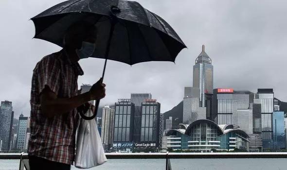 """Trung Quốc đối mặt thảm họa khi bão """"quái vật"""" đổ bộ  - Ảnh 2."""