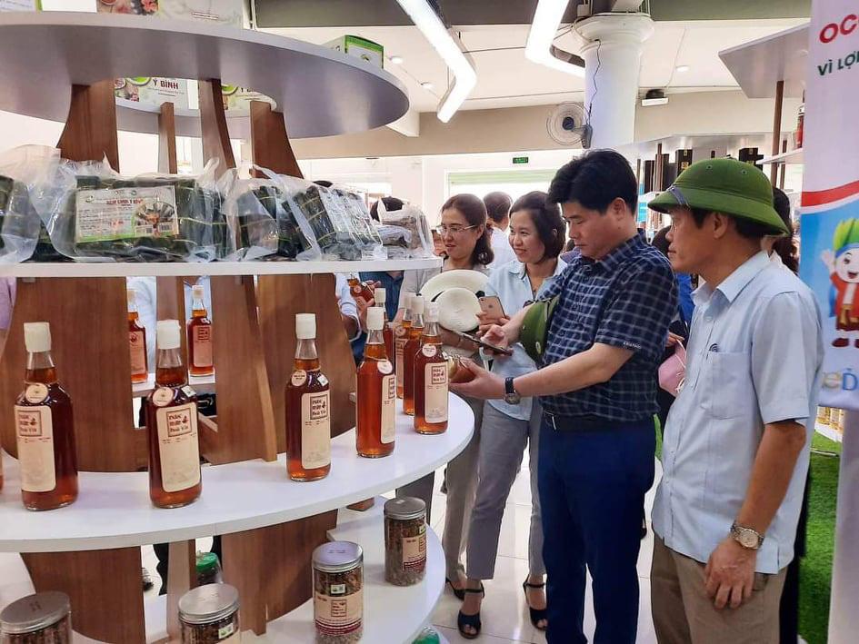 Thạc sỹ 8X với khát vọng kết nối đưa nông sản Hà Tĩnh vươn xa - Ảnh 2.