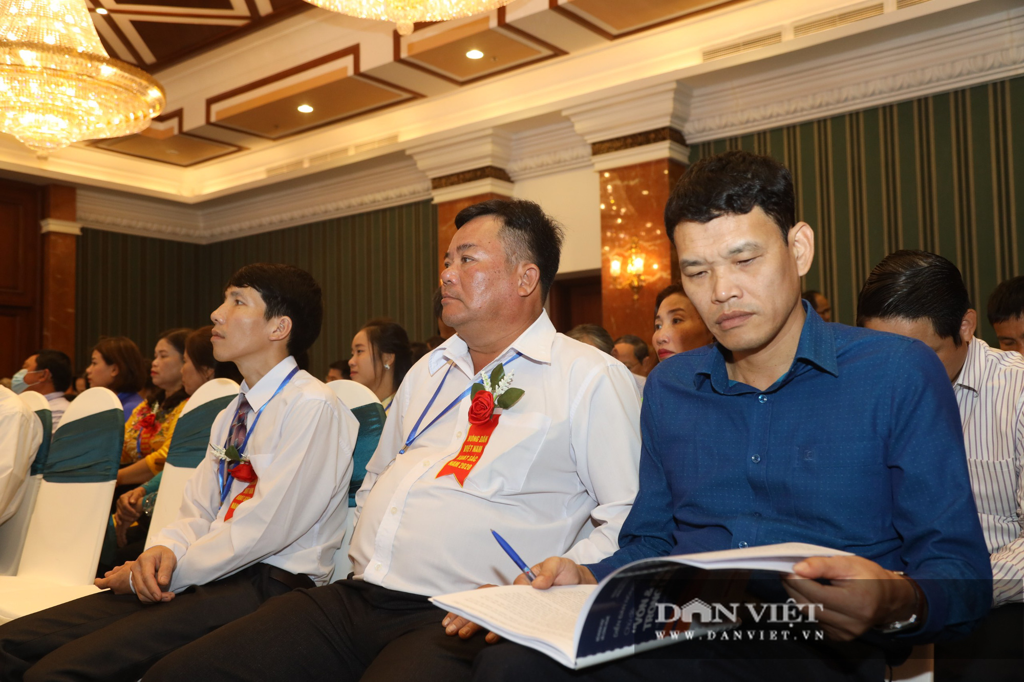 Chủ tịch Thào Xuân Sùng trực tiếp điều hành điẽn đang Nông dân lần thứ 5 - Ảnh 3.