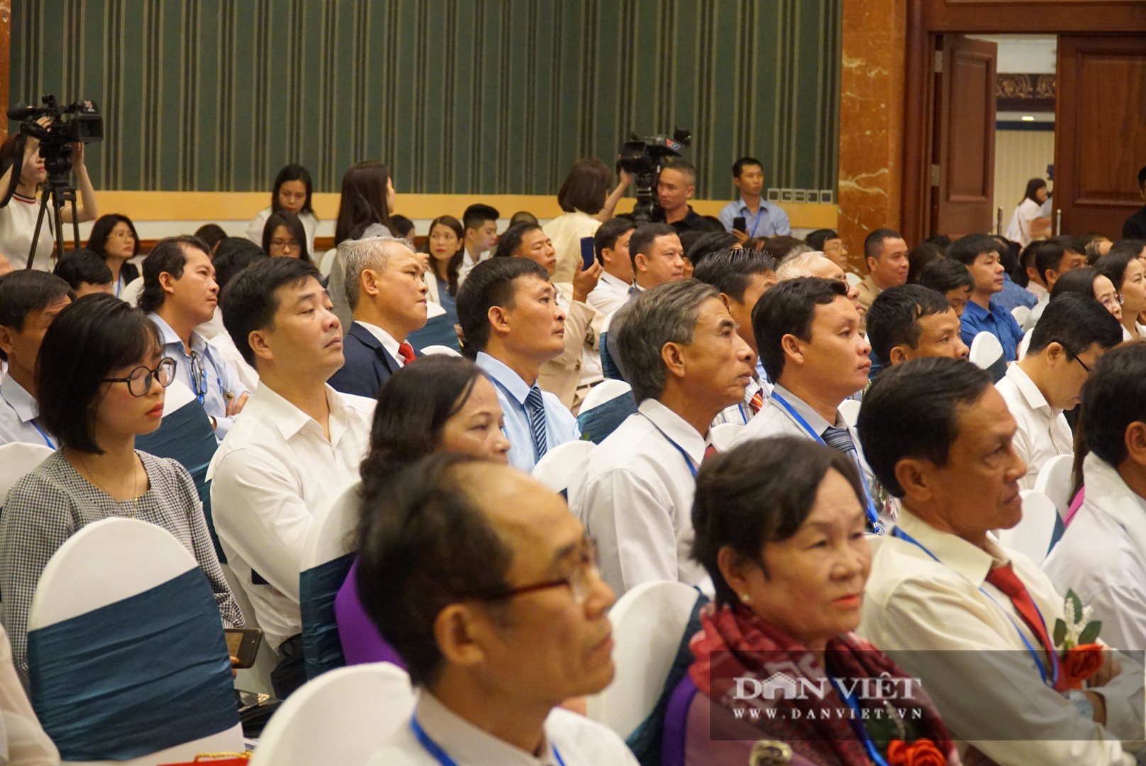 Chủ tịch Thào Xuân Sùng trực tiếp điều hành điẽn đang Nông dân lần thứ 5 - Ảnh 10.