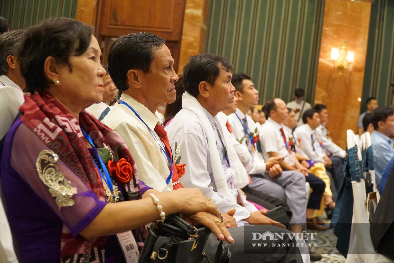 Chủ tịch Thào Xuân Sùng trực tiếp điều hành điẽn đang Nông dân lần thứ 5 - Ảnh 11.