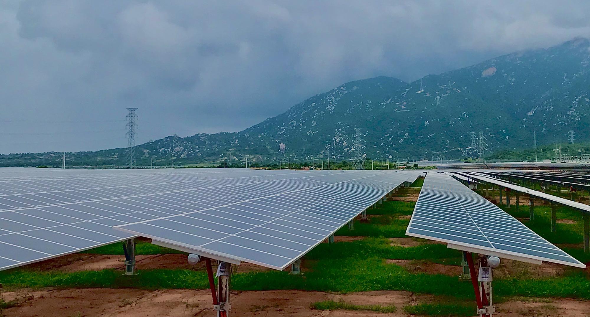 Ninh Thuận: Khánh thành dự án điện mặt trời lớn nhất Đông Nam Á - Ảnh 2.