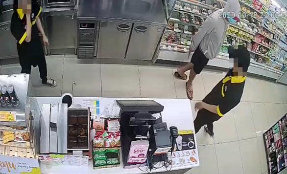 Bắt thanh niên dùng dao khống chế 2 nhân viên cửa hàng tiện lợi Mini Stop cướp tài sản - Ảnh 3.