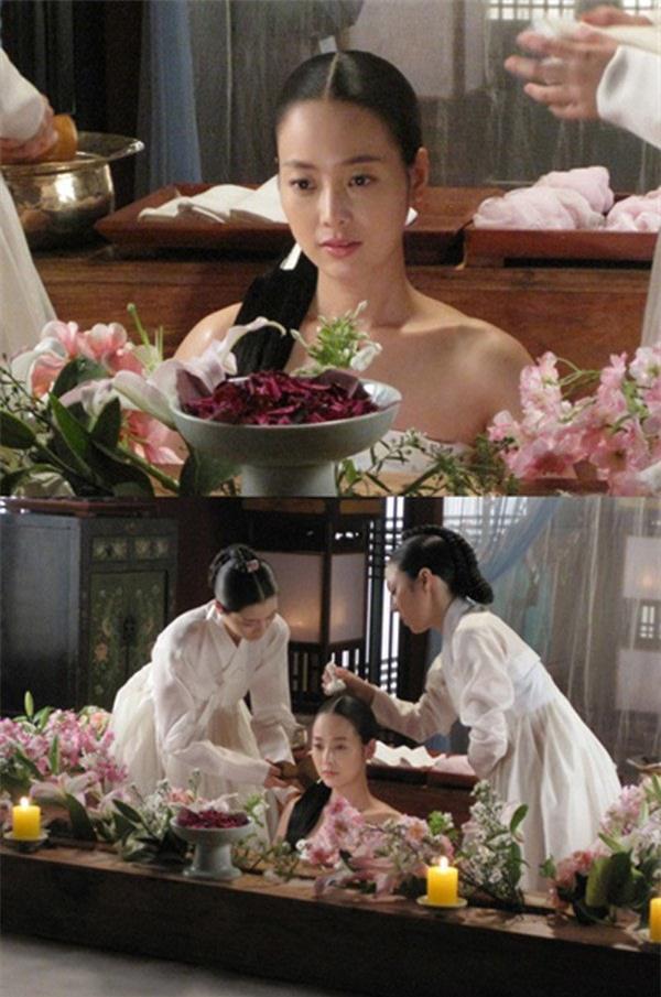 Cung nữ khiếp sợ khi phải tắm cho Từ Hy Thái Hậu vì thói quen lạ lùng - Ảnh 4.