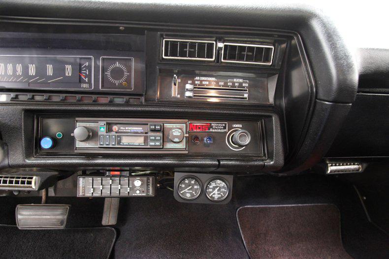 Chevrolet Chevelle 1971 này đã mất 30 năm để khôi phục, sáng lóa như kim cương - Ảnh 7.