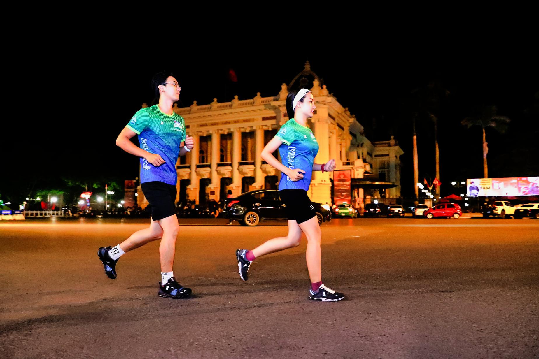 """VPBank Hanoi Marathon ASEAN 2020: An toàn """"Đón bình minh – Chào bình thường mới"""" - Ảnh 1."""