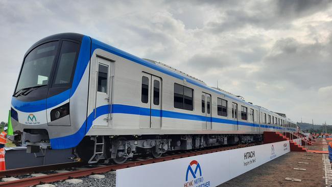 KTS Ngô Viết Nam Sơn: Hoàn thành metro số 1 là mới đi được 1/3 chặng đường, TP.HCM còn nhiều việc phải làm - Ảnh 2.