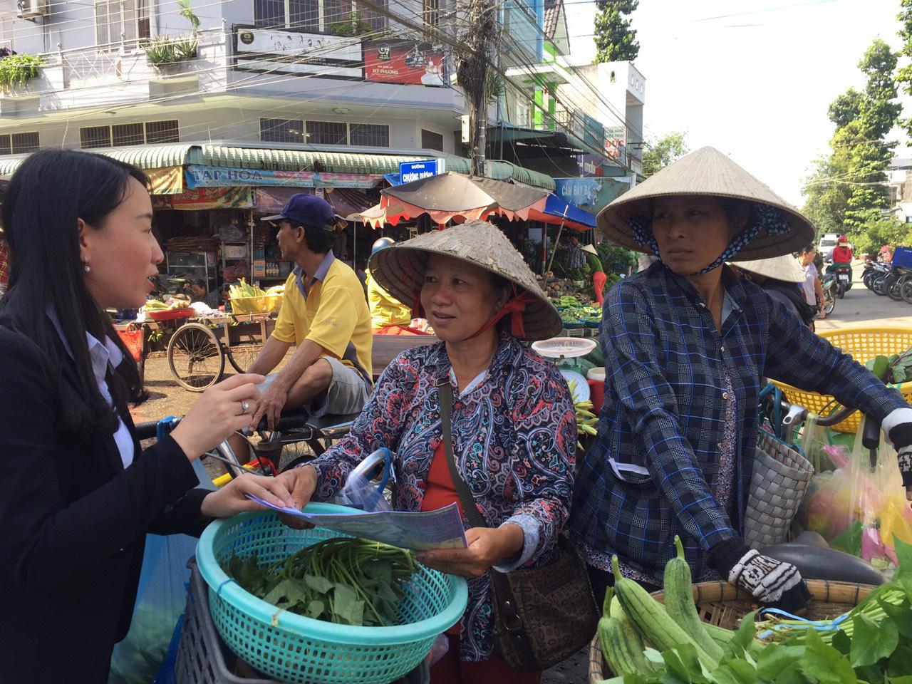 Cùng nông dân giỏi ở An Giang tham gia BHXH tự nguyện  - Ảnh 2.